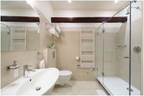 Hotel Historia & Historante, Veszprem, Bathroom