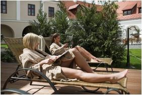 Hotel Historia & Historante, Veszprem, Terrace