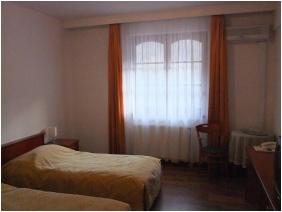 Kétágyas szoba, Hotel Hunor, Sátoraljaújhely