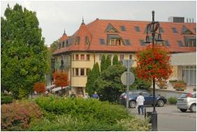 Hotel Kalma, Hévíz, Épület