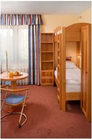 Hotel Kalvaria, Gyor, Family apartment