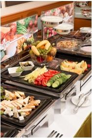Hotel Kalvaria, Buffet breakfast