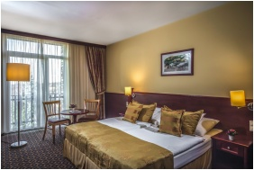 Hotel Kaptany Wellness, Sume, Twn room