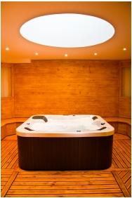 Whirl pool, Hotel Kelep, Tokaj