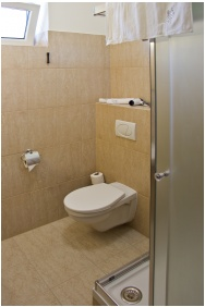 Bathroom, Hotel Kelep, Tokaj
