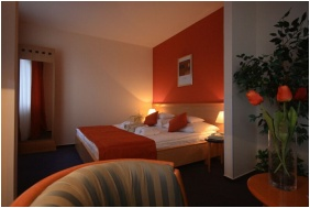 Art & Fit Hotel Kikelet - Pecs, Room interior