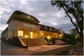 Hotel Kiss, Díszkivilágítás - Tata
