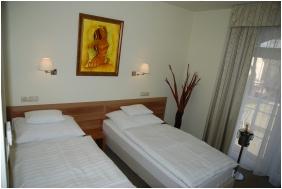 Hotel Kiss, Tata, Standard szoba