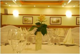 Étterem, Hotel Kiss, Tata