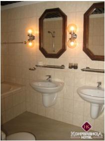 Fürdőszoba, Hotel Konferencia, Gyôr
