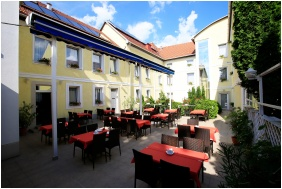 Bar Terrace, Hotel Korona Wellness, Conference & Wine, Eger