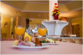 Hotel Kristaly, Restaurant