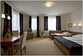 Hotel Lajta Park, Triple room