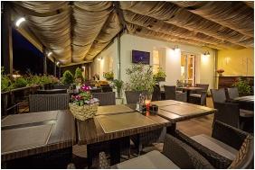 Bar Terrace - Hotel Lajta Park