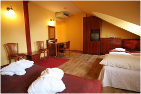 Hotel Laroba, Alsóörs,