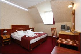 , Hotel Laroba, Alsóörs