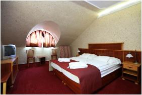 - Hotel Laroba