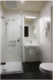 Hotel Laterum Wellness & Conference, Bathroom