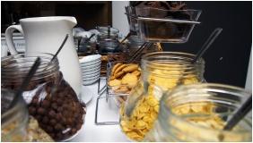 Buffet breakfast, Hotel Liget Retro, Szombathely