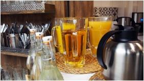 Buffet breakfast - Hotel Liget Retro