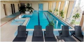Hotel Lycium, Úszómedence