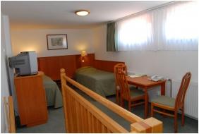 Háromágyas szoba - Magita Hotel