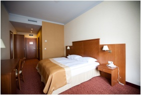 Superior room, Hotel Magyar Kiraly, Szekesfehervar