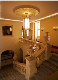Hotel Magyar Kiraly, Szekesfehervar, Staircase