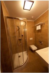 Hotel Magyar Kiraly, Szekesfehervar, Bathroom
