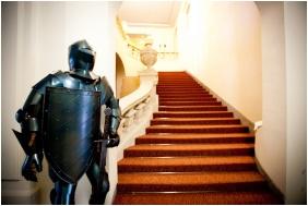 Recepció környéke, Hotel Magyar Király, Székesfehérvár