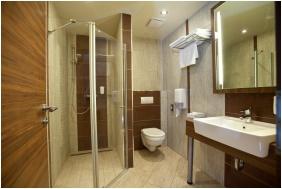 Hotel Makar Sport & Wellness, Pecs, Bathroom
