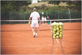 Tennis court, Hotel Makar Sport & Wellness, Pecs