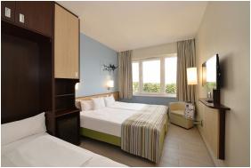 - Hotel Marina