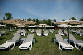 Hotel Marina-Port, Balatonkenese, Own beach