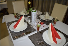 Festive place setting - Hotel Median