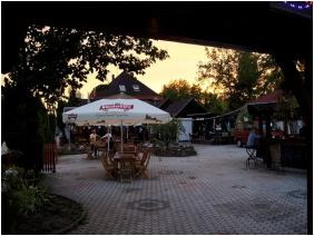 , Hotel Merid, Zamárdi
