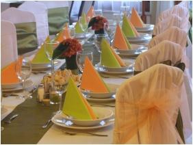 Weddingmeal setting - Hotel Millennium