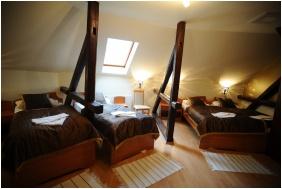 Camera a tre letti Comfort, Hotel Minaret, Eger