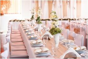 Weddingmeal setting, Hotel Molo, Siofok