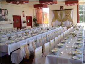 Weddingmeal setting, Hotel Molo, Siofok
