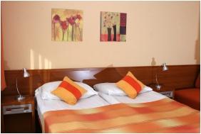 Sleeping room, Hotel Napsugar, Heviz