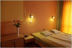 Standard szoba, Hotel Négy Évszak, Hajdúszoboszló