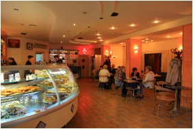 Coffee shop, Hotel Neğy Evszak, Hajduszoboszlo