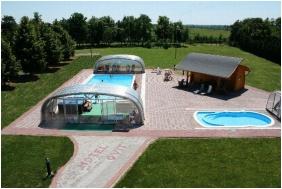 Outside pool, Hotel Ovit, Keszthely