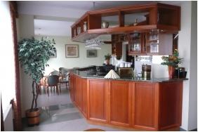 Hotel Ovit, Bar