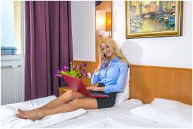 - Prémium Hotel Panoráma
