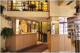 City Hotel Pilvax, Recepció