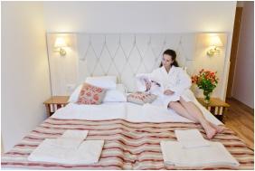 Hotel Piroska, Twin room