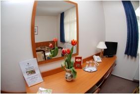 Room interior - Hotel Platan Szekesfehervar