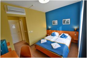 - Hotel Platán Székesfehérvár
